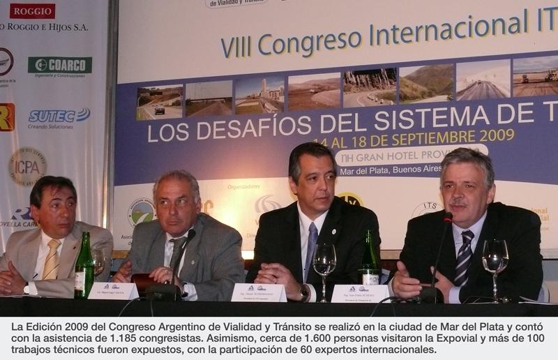 Mario Jair y Jorge Agnusdei, junto con colegas de otros países.
