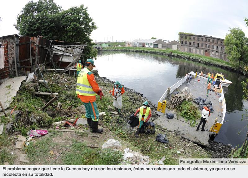 El problema mayor que tiene la Cuenca hoy día son los residuos, éstos han colapsado todo el sistema, ya que no se recolecta en su totalidad.