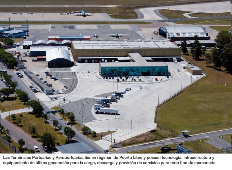 Las Terminales Portuarias y Aeroportuarias tienen régimen de Puerto Libre y poseen tecnología, infraestructura y equipamiento de última generación para la carga, descarga y provisión de servicios para todo tipo de mercadería.